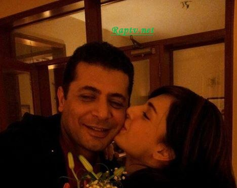 Mahnoor Baloch Kissing  husband